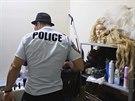 "Jedin� ""policista"" �iroko daleko byl v sobotu ve�er ve vyhl�en�m gay klubu v..."
