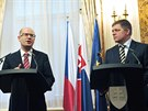 Premiéři ČR a Slovenska Bohuslav Sobotka a Robert Fico vystoupili 13. února na...