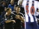 RADOST CHELSEA. Branislav Ivanovič (vlevo) oslavuje gól proti West Bromwichi,