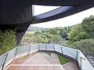 Výhledy z teras do přírody za městem byly jedním z hlavních požadavků majitele.