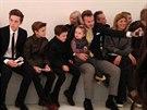 David Beckham s dětmi na newyorském týdnu módy na přehlídce Victorie Beckhamové...