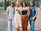 Švédská kapela ABBA v civilu: Björn Ulvaeus, Agnetha Fältskogová, Anni-Frid...