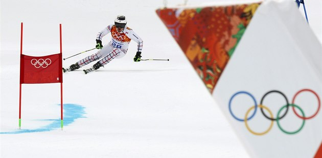 V ZAJETÍ OLYMPIJSKÝCH KRUH�. Ond�ej Bank v ob�ím slalomu na olympijských hrách