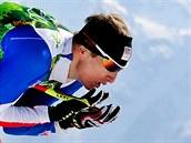B�ec na ly�ích Luká� Bauer ve �tafetovém závodu na 4x10 kilometr�. (16. února...