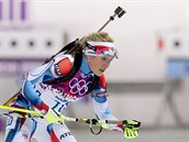 Biatlonistka Gabriela Soukalov� v z�vodu na 12,5 kilometru s hromadn�m startem....
