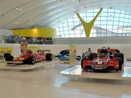 Interiér Kaplického přístavby Muzea Ferrari vModeně