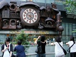 Být všude včas je pravidlo, které v Japonsku stále platí. Japonci až na výjimky