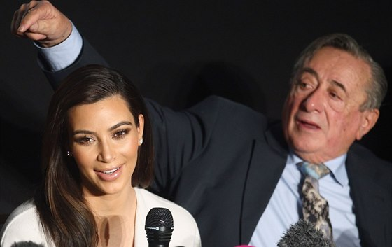 Kim Kardashianová už na konferenci před plesem upozorńovala, že netančí.