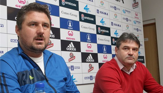 OSOBNOSTI FOTBALOVÉ OLOMOUCE. Trenér Zdeněk Psotka (vlevo) a sportovní ředitel