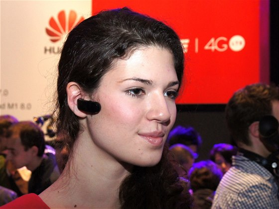 Huawei TalkBand B1 na veletrhu MWC v Barcelon�