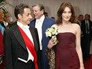 Zpěvačka a bývalá modelka Carla Bruni-Sarkozyová je o deset centimetrů vyšší...