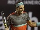 VYDŘENÁ VÝHRA. Rafael Nadal se raduje z postupu do finále na turnaji v Riu de