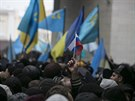 Už ve středu se ve správním středisku autonomního Krymu Simferopolu střetli...
