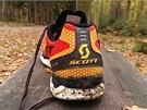 AF Trainer jsou silniční boty a mají reflexními prvky. Rády ale skotačí v lese....