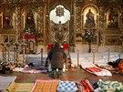 Lid� odpo��vaj� v Chr�mu svat�ho Michala v Kyjev�, kter� se z�rove� prom�nil v...