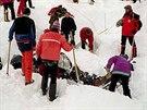 Lavina, která zavalila rakouskou vesnici Galtür, připravila o život 31 lidí....