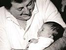 Denisa Kirschnerová, těsně po svém narození v náručí tatínka Miloše Kirschnera,...