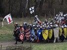 Oddíly panského vojska se v těsných formacích šikují před bitvou.