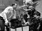 Z natáčení filmu režiséra Olivera Morgensterna Maliny o Bohumilu Hrabalovi s...