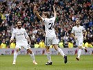 A KDO JE TADY P�N? Asier Illarramendi z Realu Madrid (uprost�ed) slav� g�l do...