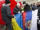 Ukrajinští Rusové pořádají mítinky v Doněcku.