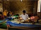 Krizov� zdravotnick� pomoc L�ka�� bez hranic v uprchlick�m t�bo�e Rohing� v