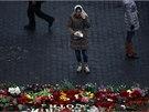 Na řadě míst v centru Kyjeva vyrostly v noci na neděli pomníky lidí, kteří