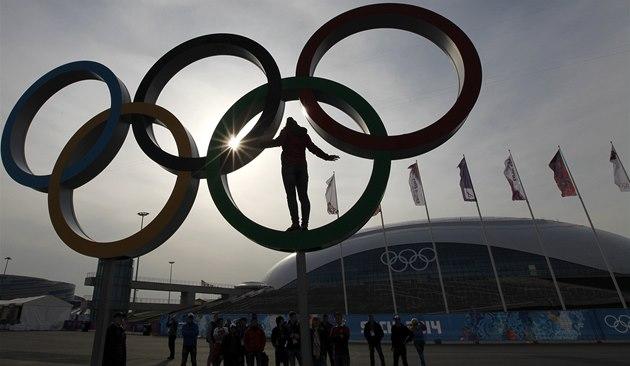 MEZI KRUHY. Hry skon�ily, Olympijský park v So�i v�ak stále �ije.