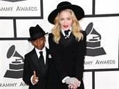 Pánskému stylu se nebrání ani zpěvačka Madonna. Důkazem je i její model z...
