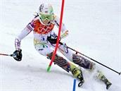 Česká lyžařka Šárka Strachová při první jízdě olympijského slalomu. (21. února 2014)