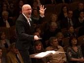 Dirigent Enrique Mazzola a PKF-Prague Philharmonia v Rudolfinu