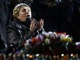 Julija Tymošenková řeční na kyjevském Majdanu (22. února 2014)