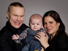 Manželé Kamila a Martin se synem Filipem jsou hrdiny druhé řady Čtyři v tom