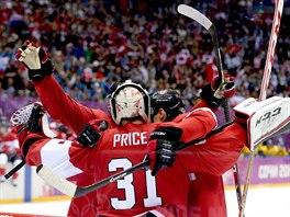 Kanadští hokejisté oslavují zisk zlaté olympijské medaile. Ve finálovém utkání...