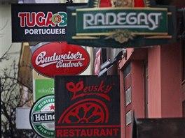 Na Stodolní ulici jsou v provozu desítky nejrůznějších podniků.