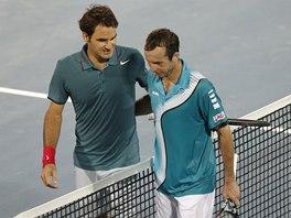 NA STARCE DOBRÝ. Roger Federer musel na turnaji v Dubaji vydřít výhru nad