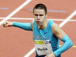 FINI�. Pavel Masl�k na halov�m m�tinku v Praze vytvo�il na netradi�n� trati 500