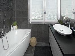 Jednou z výhod nové dispozice je okno v koupelně, které zajišťuje dostatek