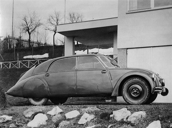 Tatra 77 byla prvním sériově vyráběným aerodynamickým vozem na světě.