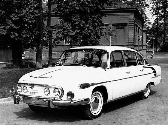 Tatra 603 po posledním faceliftu, přesněji tedy Tatra 2-603 model 1968.