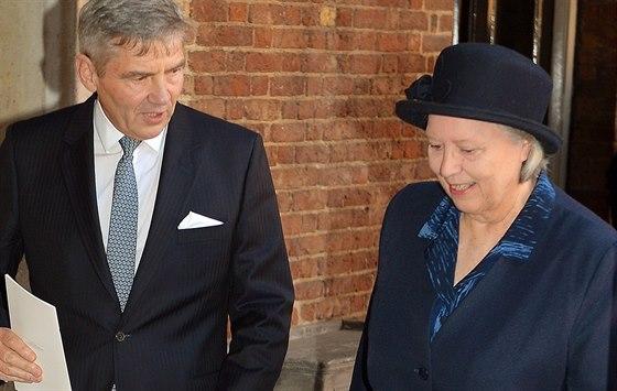 Jessie Webbová s Michaelem Middletonem po křtu prince Williama