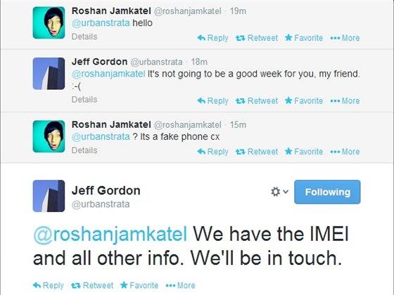 Roshan Jamkatel a Jeff Gordon z HTC si dopisovali přes Twitter