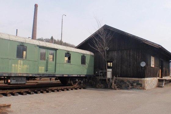 Starý železniční sklad byl postavený před 120 lety...