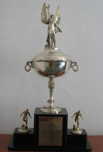 Trofej pro vítěze International Soccer League neboli Americký pohár