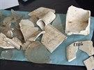 Keramická nádoba, v níž byly mince uloženy