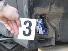 Policisté v Mělníku našli v různých částech dvou osobních aut více než 1600