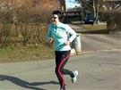 Běhá s úsměvem, pro radost. Ale chystá se i na závody.