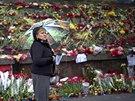 Kyjevské náměstí Nezávislosti zaplavily květiny a svíčky pro oběti únorových...