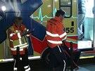 Záchranáři v noci na sobotu odvezli z hotelu Olšanka na třicet italských