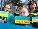 """""""Ruce pryč od Ukrajiny"""" a """"Nechceme okupaci"""" vzkazovali protestující z Brna do..."""